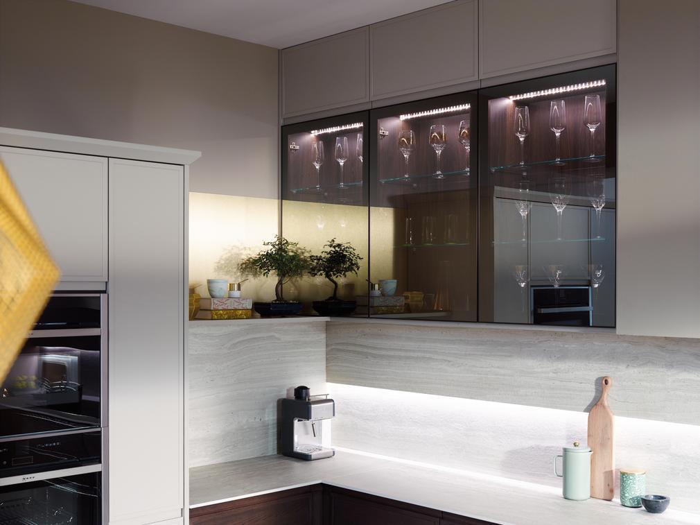 Feature glazed bronze kitchen
