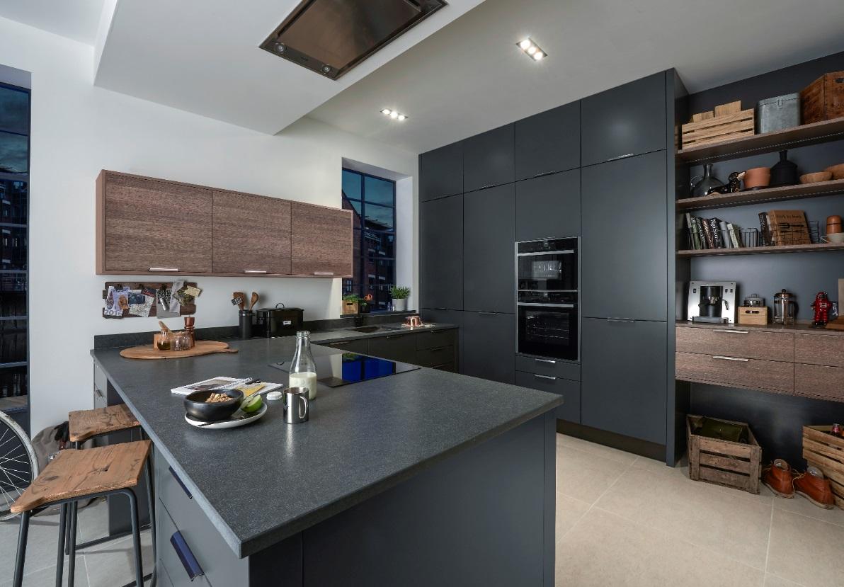 Porter in Matt Graphite with Alpina Smoked Oak Matt kitchen
